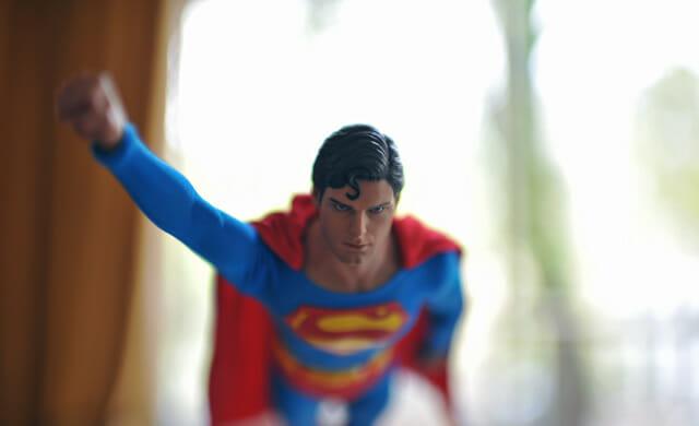 aventuras-brinquedos-fotografo-russo_superman-11