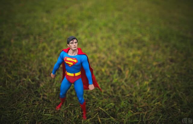 aventuras-brinquedos-fotografo-russo_superman-2