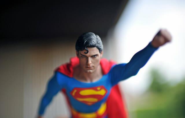 aventuras-brinquedos-fotografo-russo_superman-27