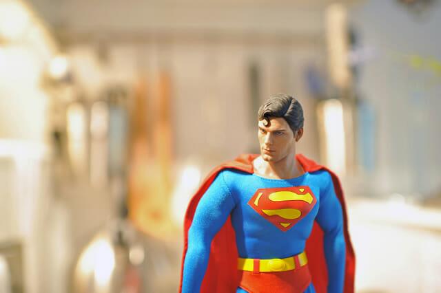 aventuras-brinquedos-fotografo-russo_superman-9