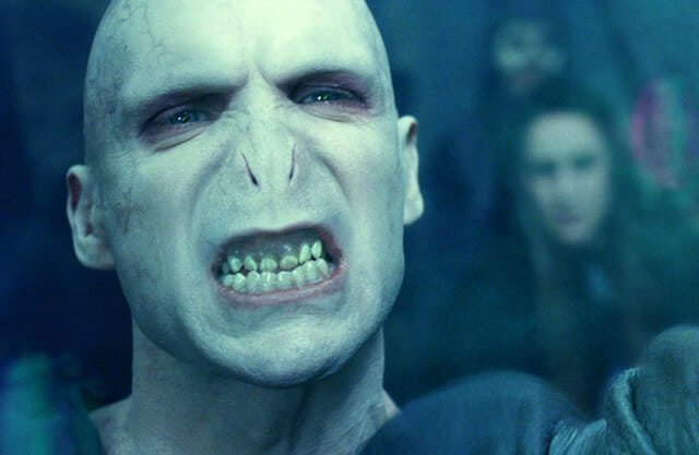 E se as celebridades tivessem o nariz do Voldemort?