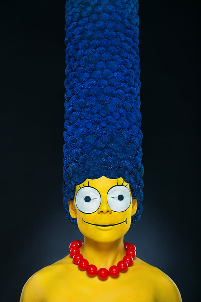 Marge Simpson na vida real é sensacional! Confira o antes e depois no vídeo: