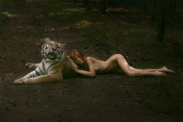 As incríveis fotos de modelos com animais reais tiradas pela fotógrafa russa Katerina Plotnikova
