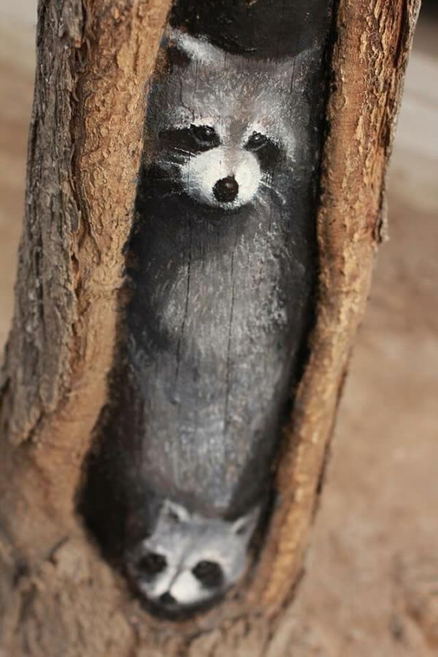 Artista pinta animais incrivelmente realistas em árvores