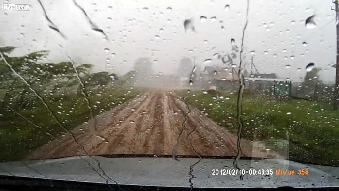 video-sobrevivente-tornado