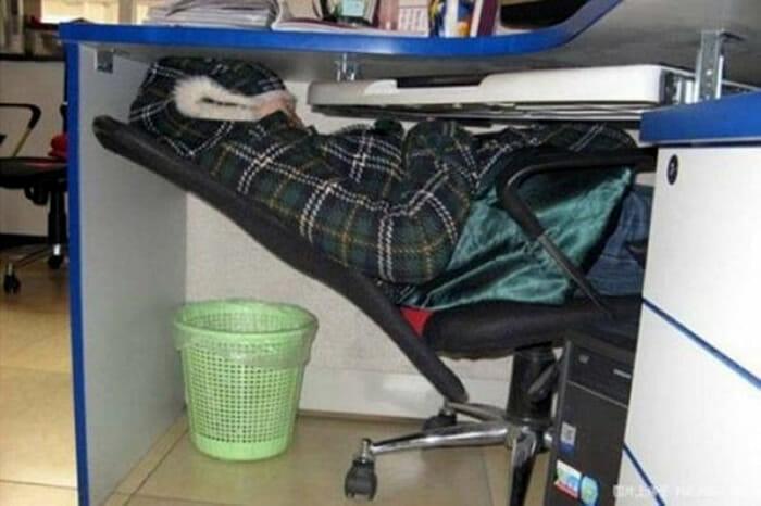 dormindo-no-trabalho_2