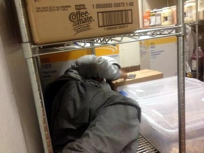 dormindo-no-trabalho_5