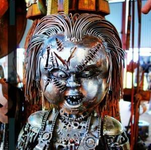 12 Esculturas fantásticas de personagens de filmes famosos feitas com entulho