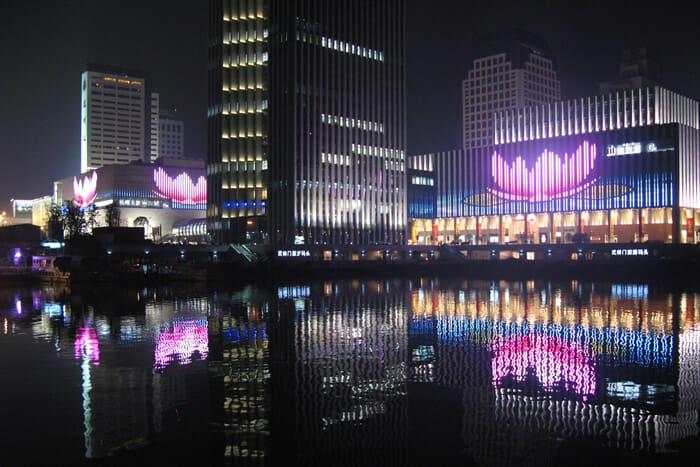 Hangzhou Asiatic Center display screen