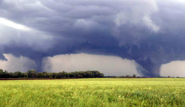 Tornados gêmeos de Pilger, Nebraska, EUA