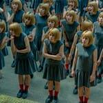 """Sessão de fotos """"fantasma"""" de fotógrafo japonês coloca a mesma pessoa várias vezes na mesma foto"""