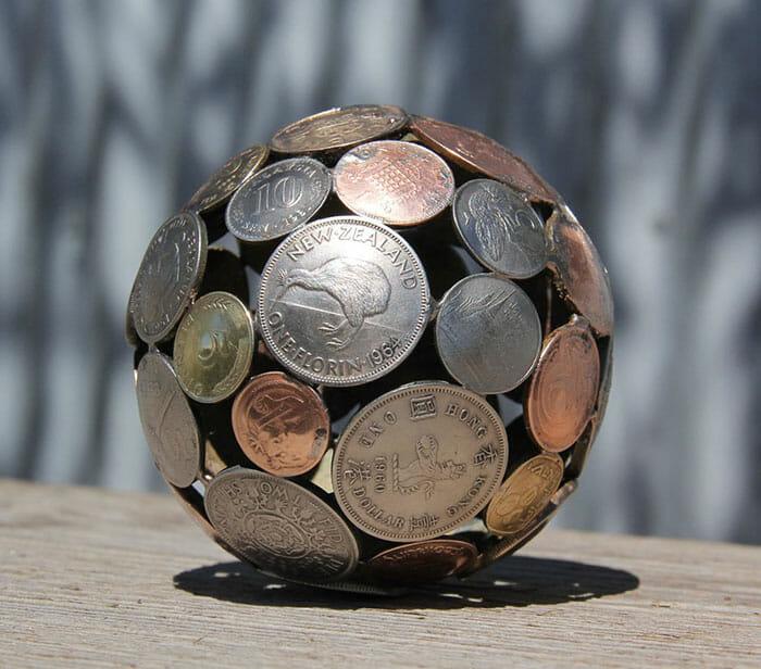 esculturas-chaves-moedas-recicladas_8
