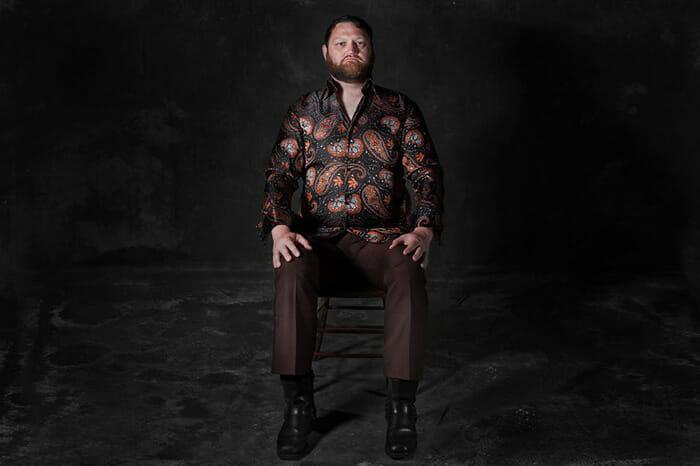 sofas-cadeiras-representados-como-humanos_9b