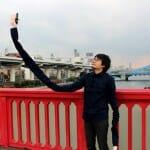 Japonês inventa o 'pau de selfie' mais esquisito e legal que existe!