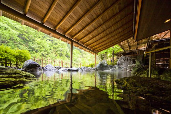 nishiyama-onsen-keiunkan_2