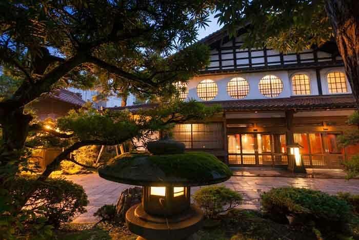 nishiyama-onsen-keiunkan_8