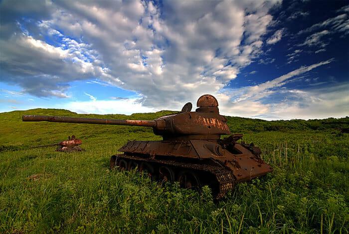 tanques-de-guerra-abandonados_17