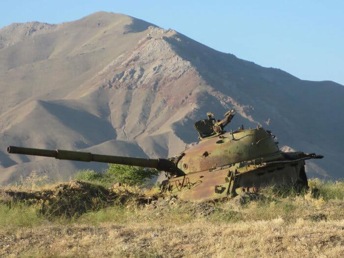 tanques-de-guerra-abandonados_19
