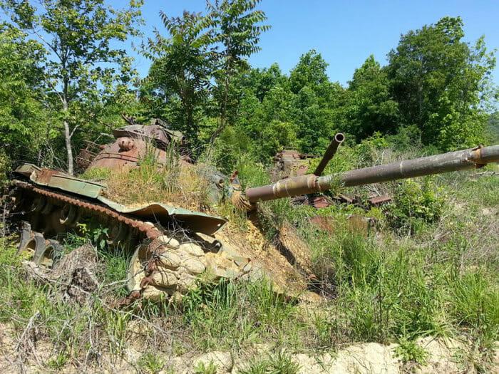 tanques-de-guerra-abandonados_21