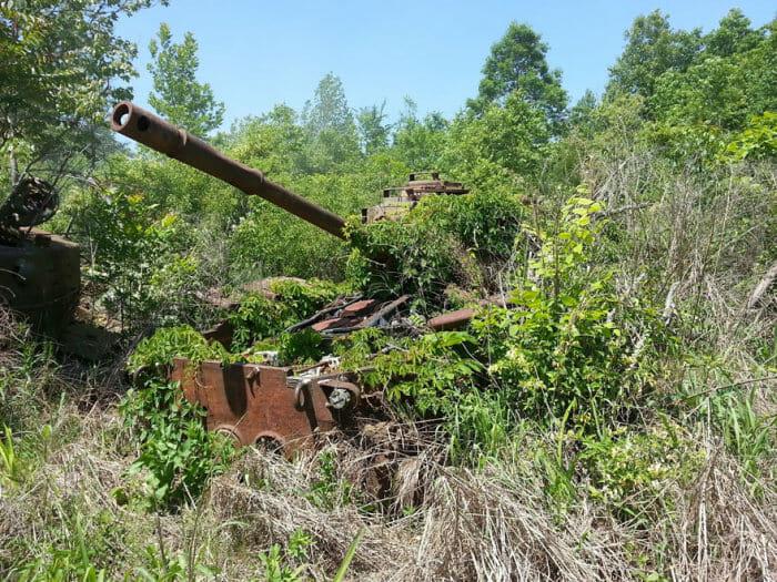 tanques-de-guerra-abandonados_22