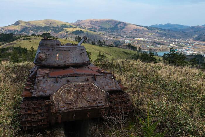tanques-de-guerra-abandonados_23