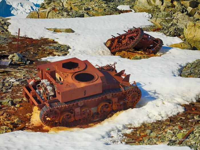 tanques-de-guerra-abandonados_27