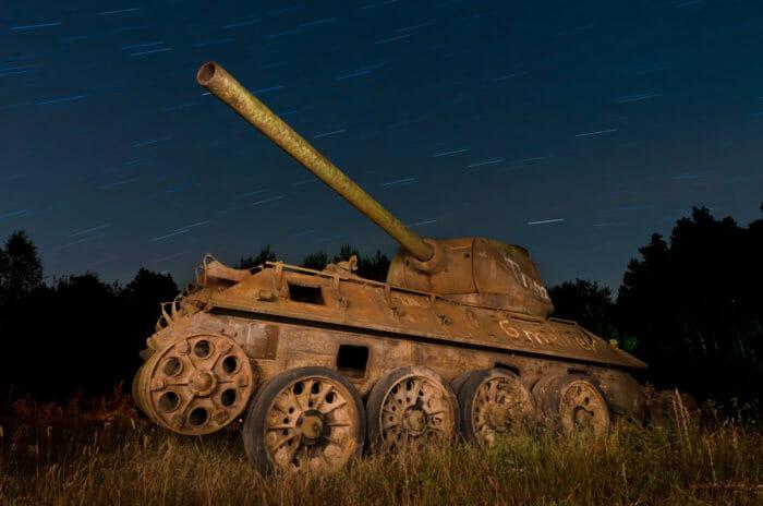 tanques-de-guerra-abandonados_30