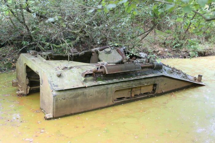 tanques-de-guerra-abandonados_5