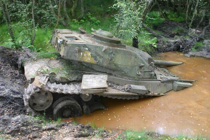 tanques-de-guerra-abandonados_6