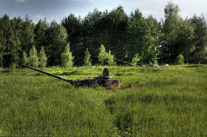 tanques-de-guerra-abandonados_7
