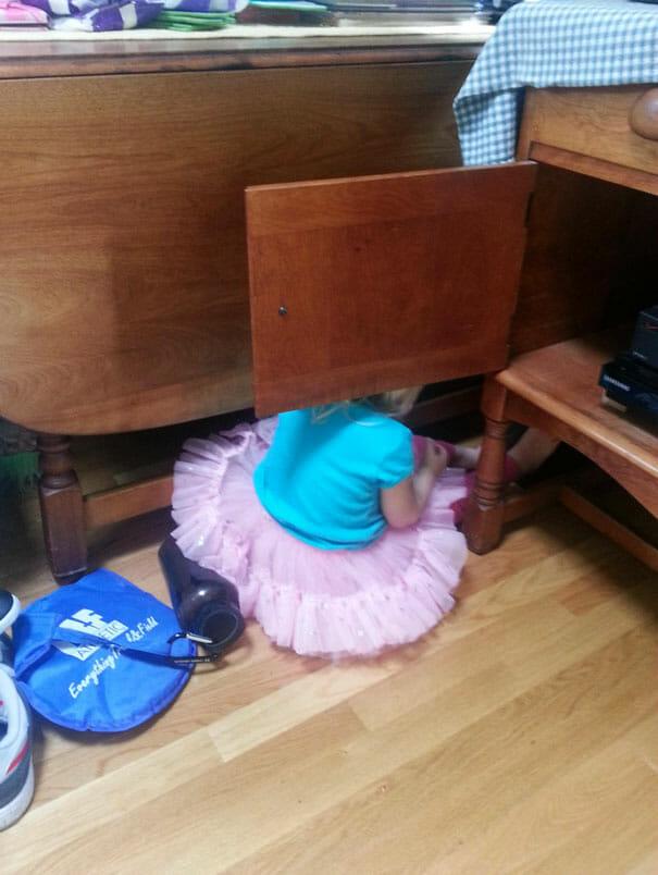 criancas-mestres-esconde-esconde_2