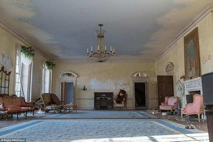 interior-mansao-abandonada_17