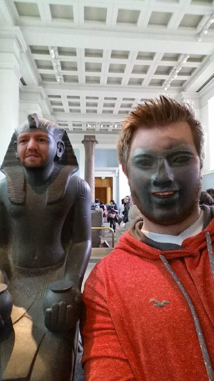 trocando-faces-no-museu_11