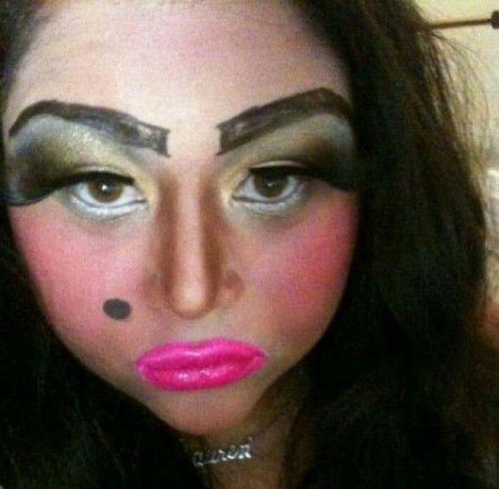 maquiagem-feminina-horrivel_11