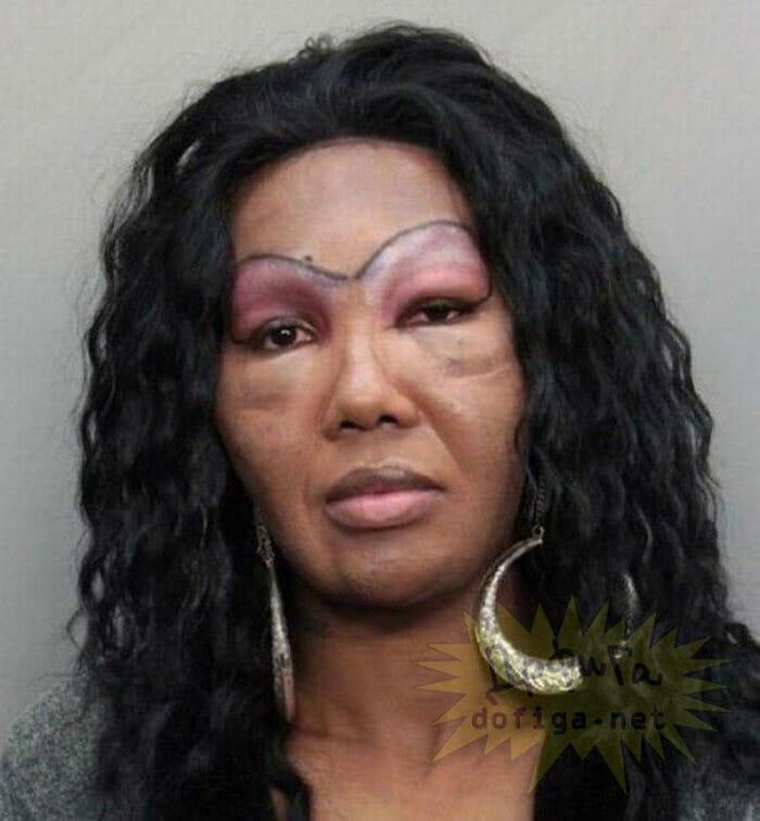 maquiagem-feminina-horrivel_13