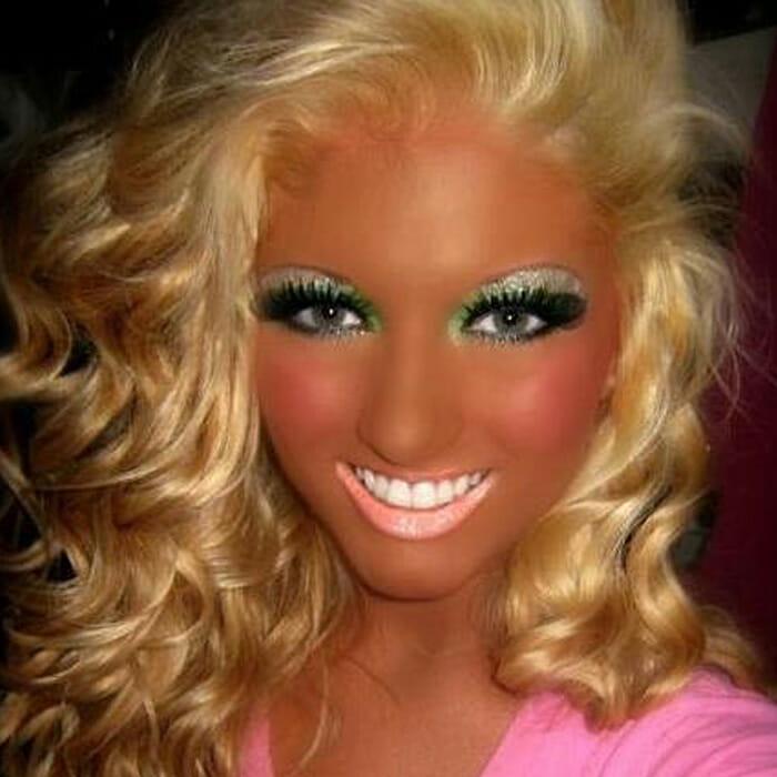 maquiagem-feminina-horrivel_14