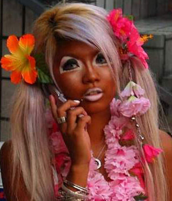 maquiagem-feminina-horrivel_4