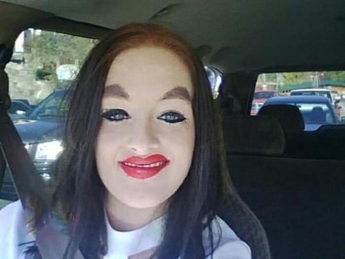 maquiagem-feminina-horrivel_5