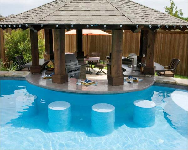 24 modelos belos e criativos de bares constru dos em for Pool design with swim up bar