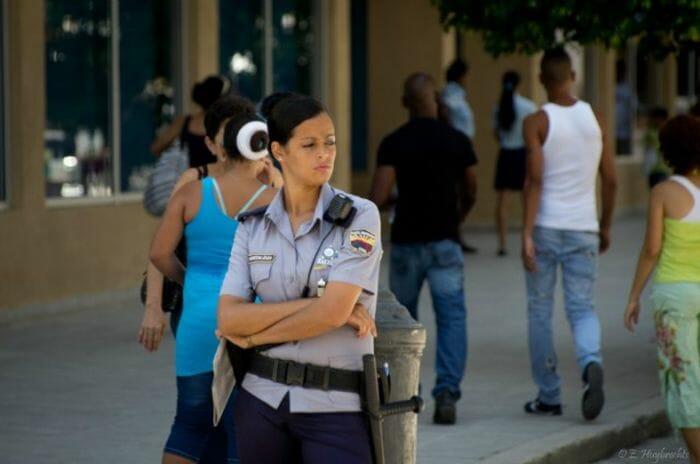 mais-lindas-policiais_20