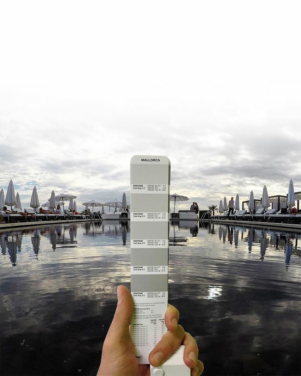Designer Captura As Cores De Paisagens Do Mundo Combinando-as Com Pantones
