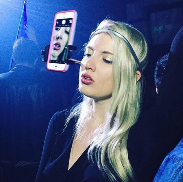 16 Imagens De Pessoas Tão Viciadas Em Seus Smartphones Quanto Você