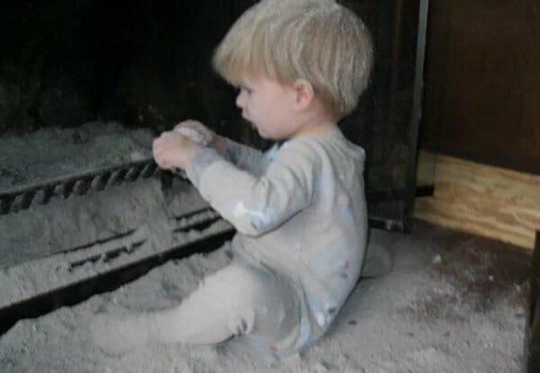 20 Imagens Provam Que Crianças Jamais Devem Ficar Sozinhas