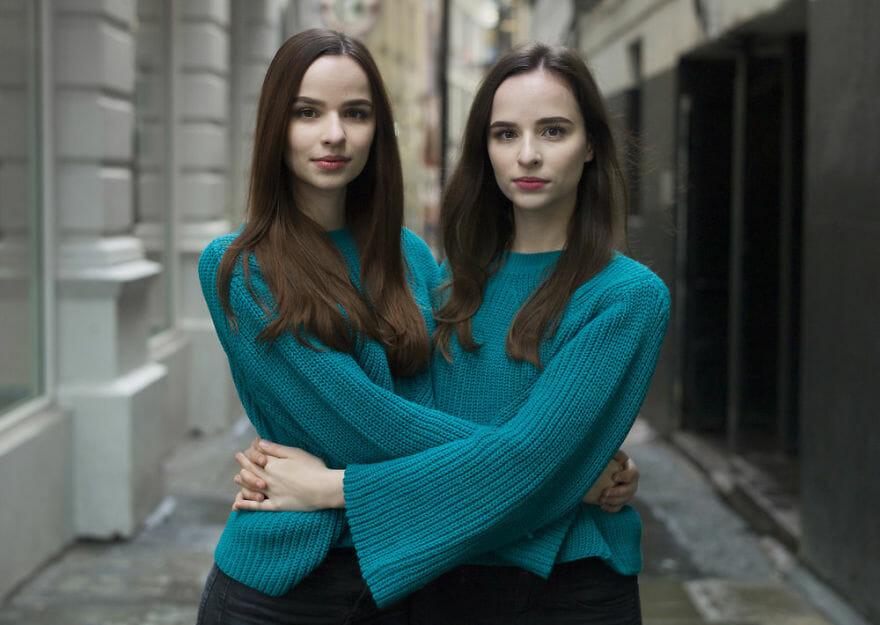 Idênticos? Retratos de gêmeos idênticos mostra quão diferentes eles podem ser