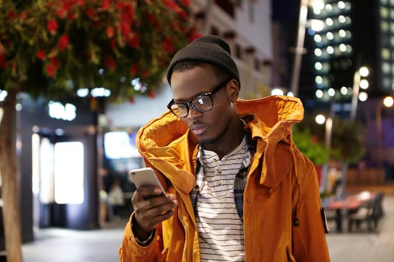 Sem crédito para SMS? Dá pra enviar SMS a cobrar!