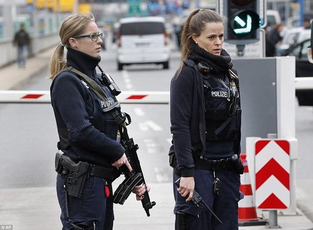 mulheres policiais lindas Bélgica