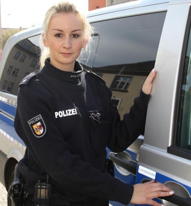 mulheres policiais lindas Alemanha