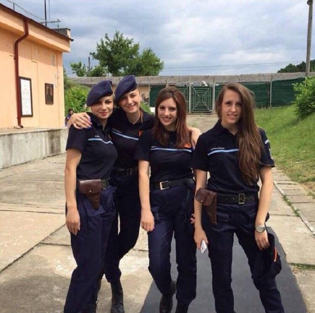 mulheres policiais lindas Romênia
